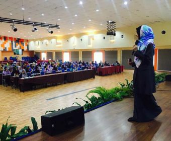 Ideal Women Convention UMP 2016 | Fesyen Muslimah : Cinderella VS Kak Limah | 16 November 2016<
