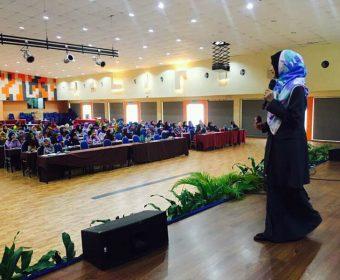 Ideal Women Convention UMP 2016 | Fesyen Muslimah : Cinderella VS Kak Limah | 16 November 2016<