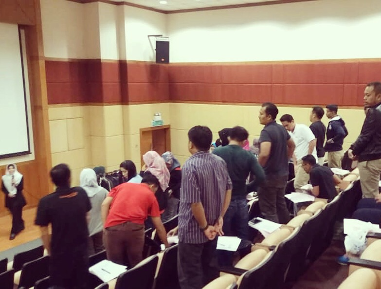 Ketrampilan Diri & Imej Profesional Pereka Kraf Malaysia
